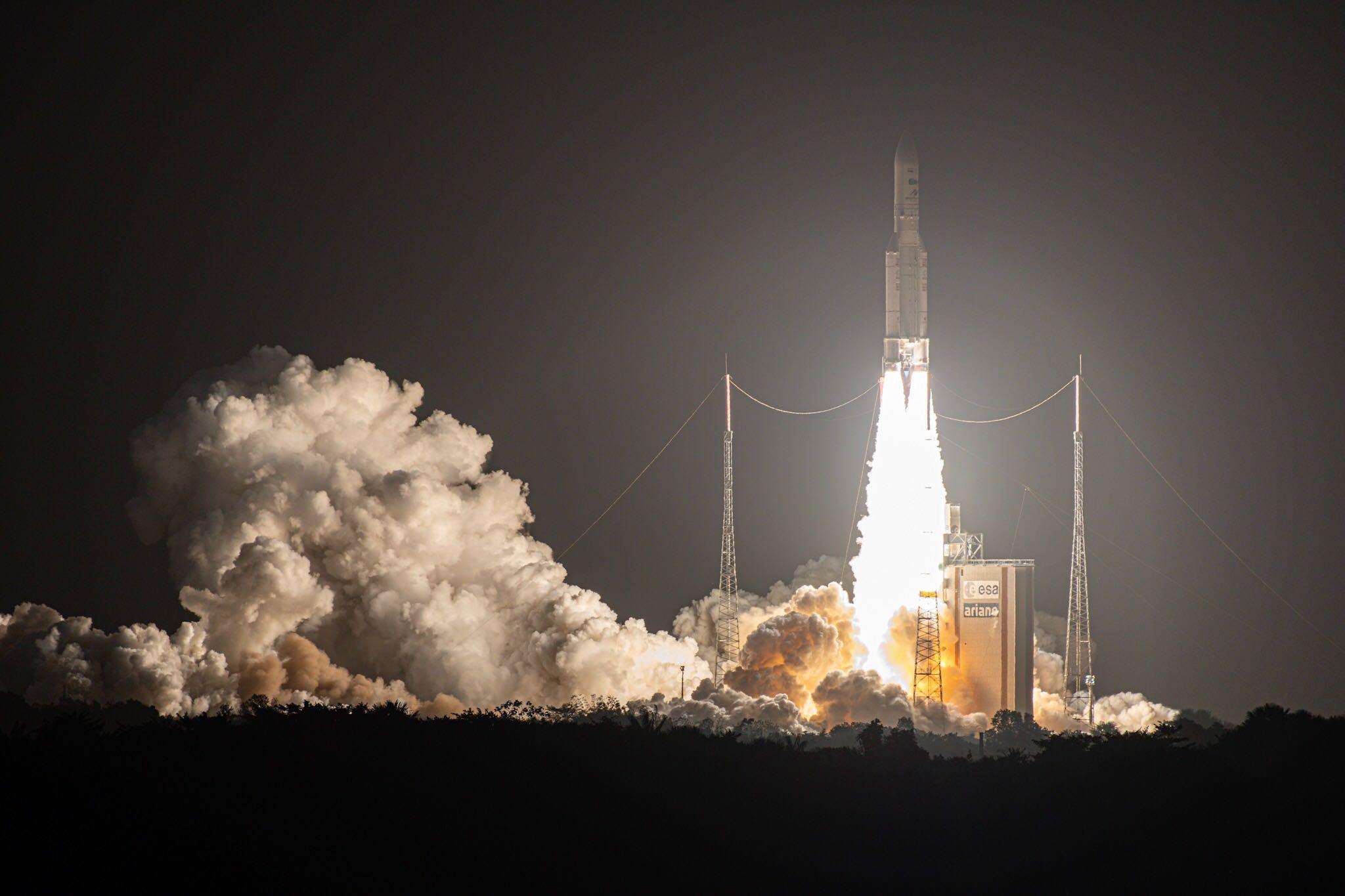 http://www.esa.int/var/esa/storage/images/esa_multimedia/images/2019/11/ariane_5_liftoff3/21479988-4-eng-GB/Ariane_5_liftoff.jpg
