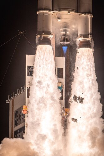 Ariane 5 soars to space