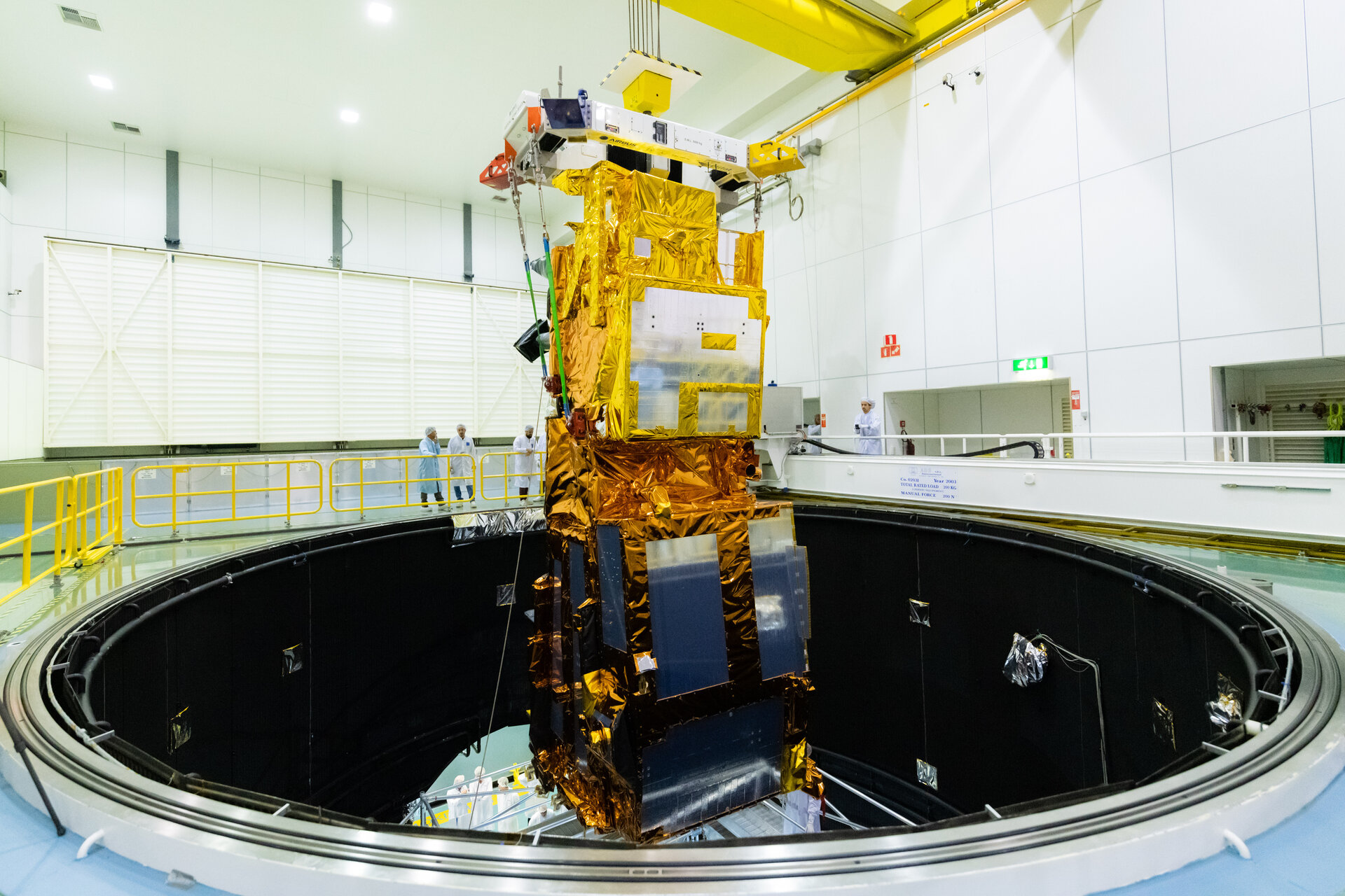 MetOp-SG lowered into LSS