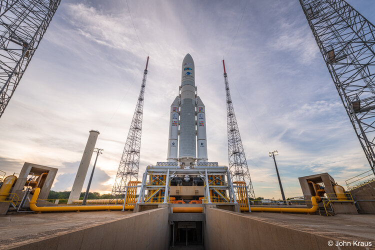 Ariane 5 poised for liftoff