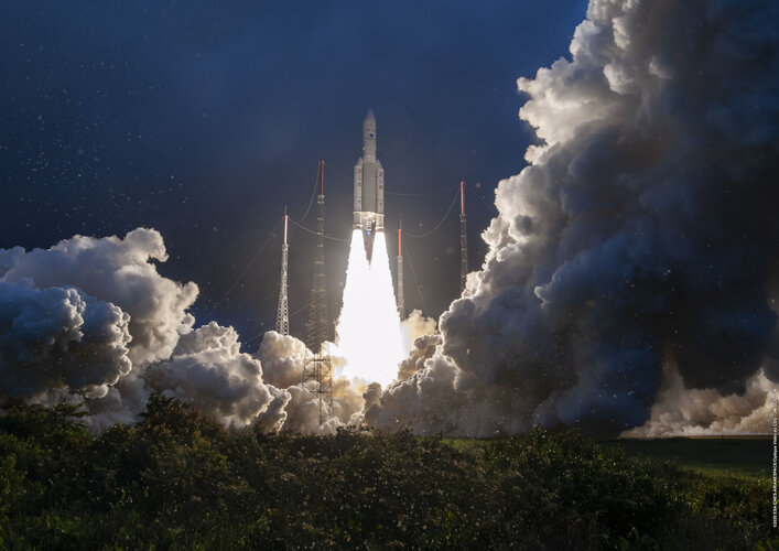 Ariane 5 liftoff