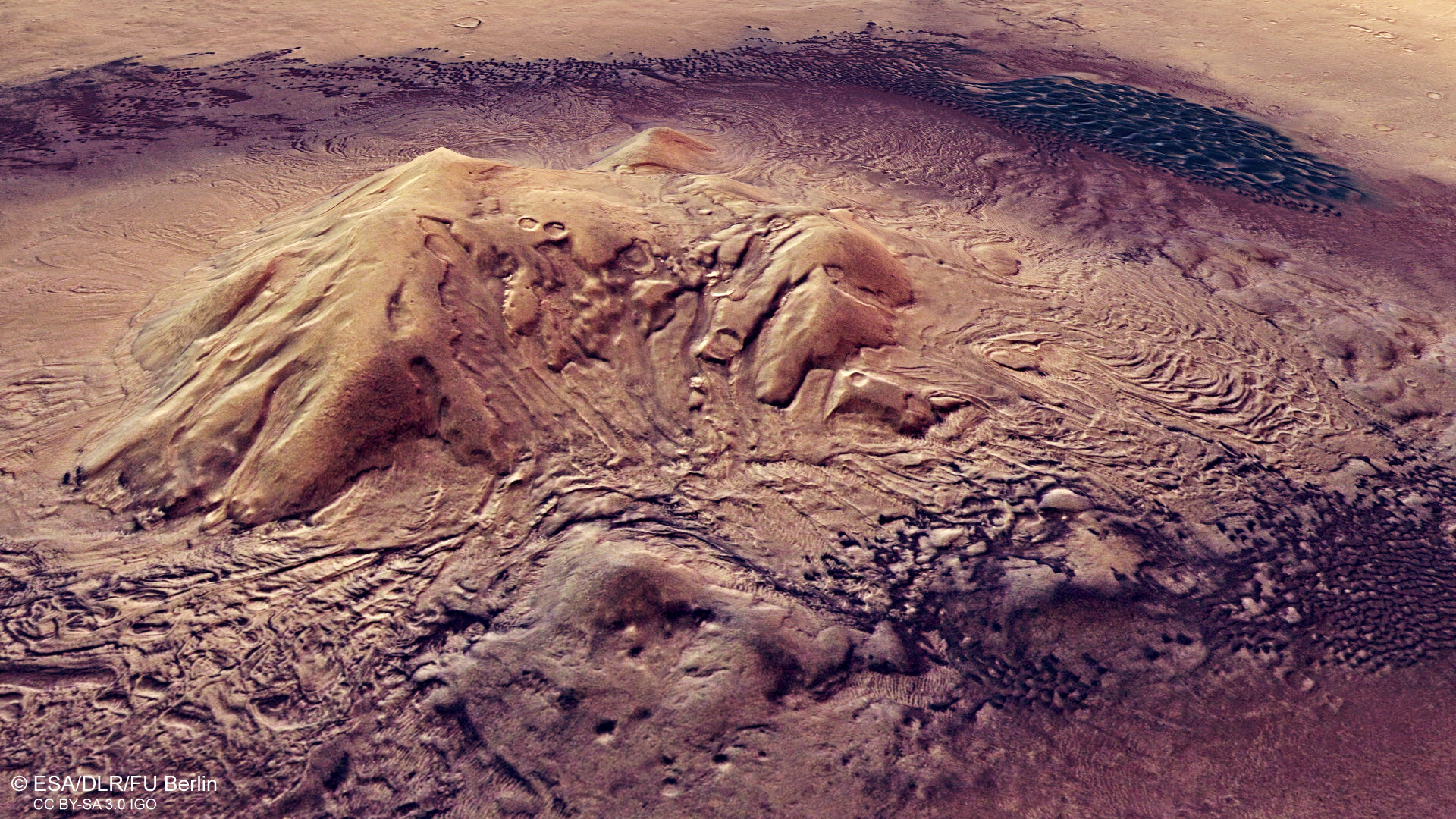 Moreux crater on Mars (perspective view)