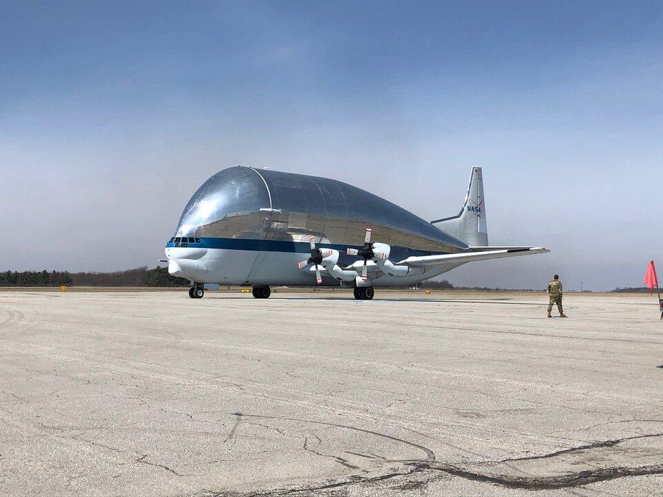 Super Guppy lascia l'Ohio con la navicella spaziale Artemis 1 Orion