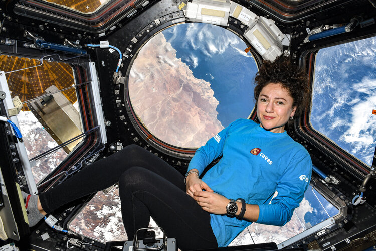 NASA astronaut Jessica Meir rocking her Caves shirt aboard the International Space Station