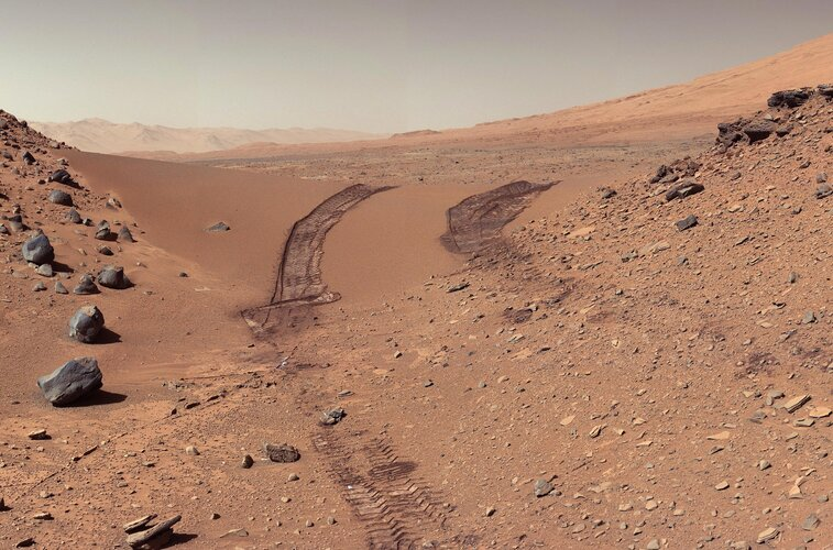 choosing rocks on mars to bring to earth