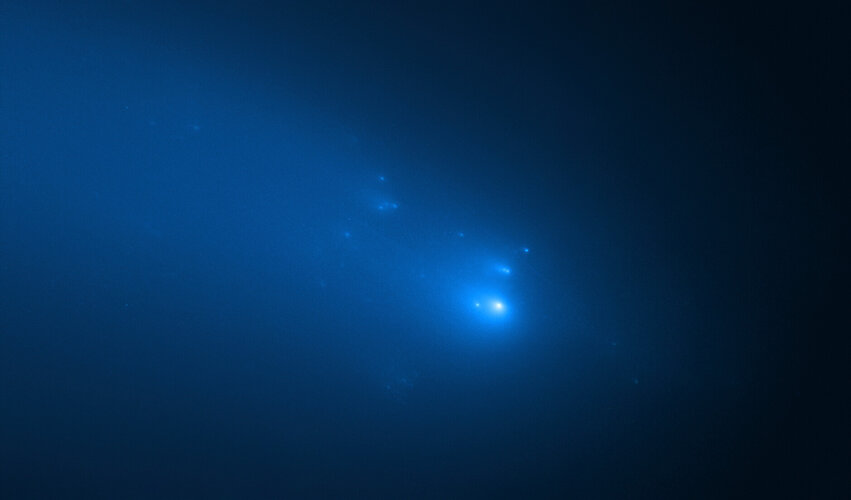 Hubble observation of Comet ATLAS on 23 April 2020