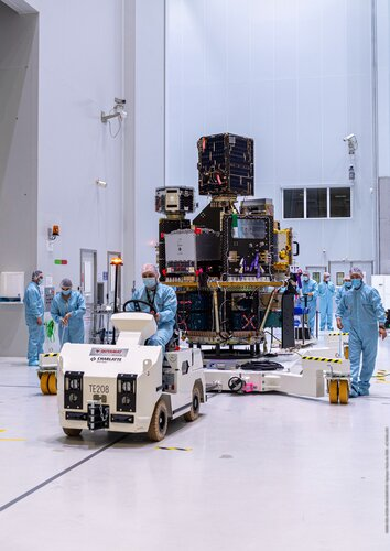 Transfer of the Small Spacecraft Mission Service (SSMS) dispenser with all satellites mounted at Europe's Spaceport.