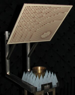 Flat-panel reflectarray antenna