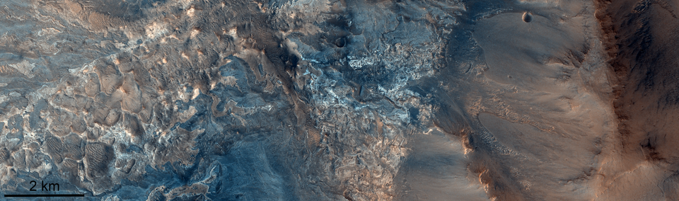 Rock composition in Ius Chasma canyon