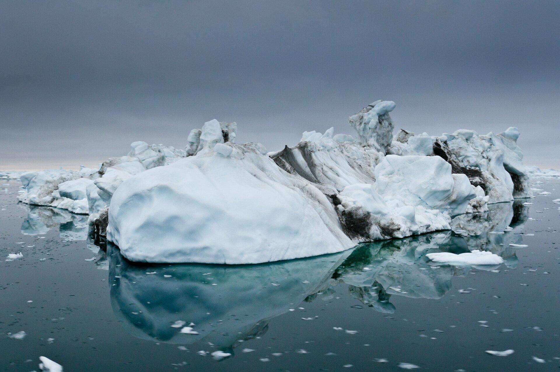 Greenland_pillars.jpg
