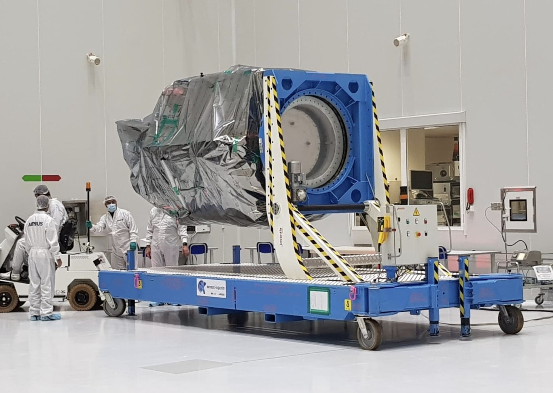 SEOSAT-Ingenio in the cleanroom