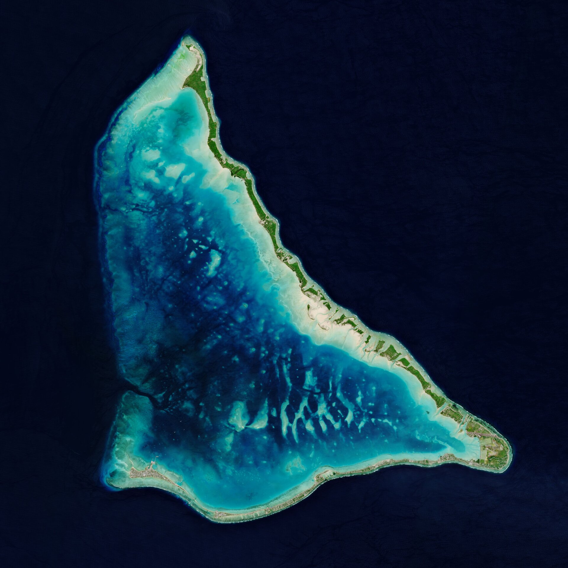 Copernicus Sentinel-2 takes us over the Tarawa Atoll in the Republic of Kiribati – a remote Pacific nation threatened by rising seas.