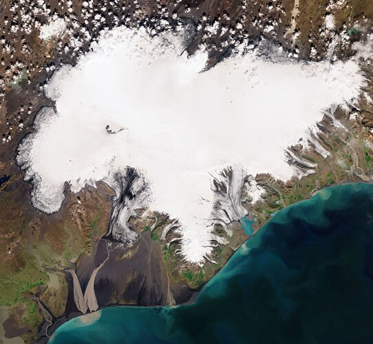 The Copernicus Sentinel-2 mission takes us over the Vatnajökull ice cap, in southeast Iceland.