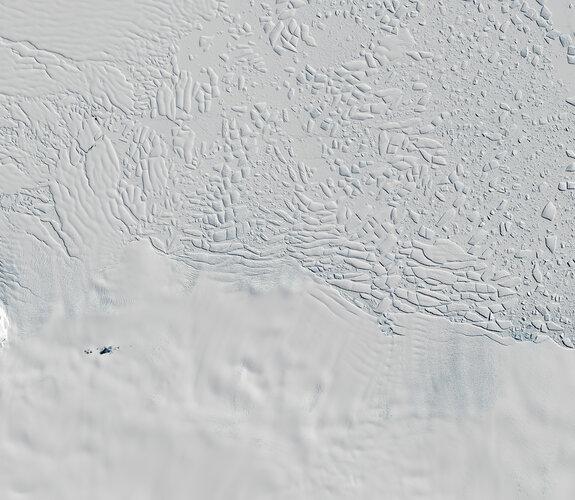 Thwaites glacier seen by Copernicus Sentinel-2