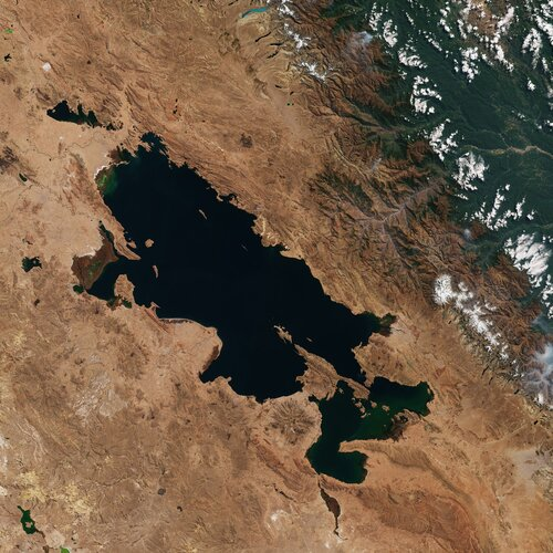 Ahead of World Wetlands Day, the Copernicus Sentinel-2 mission takes us over Lake Titicaca – one of the largest lakes in South America.
