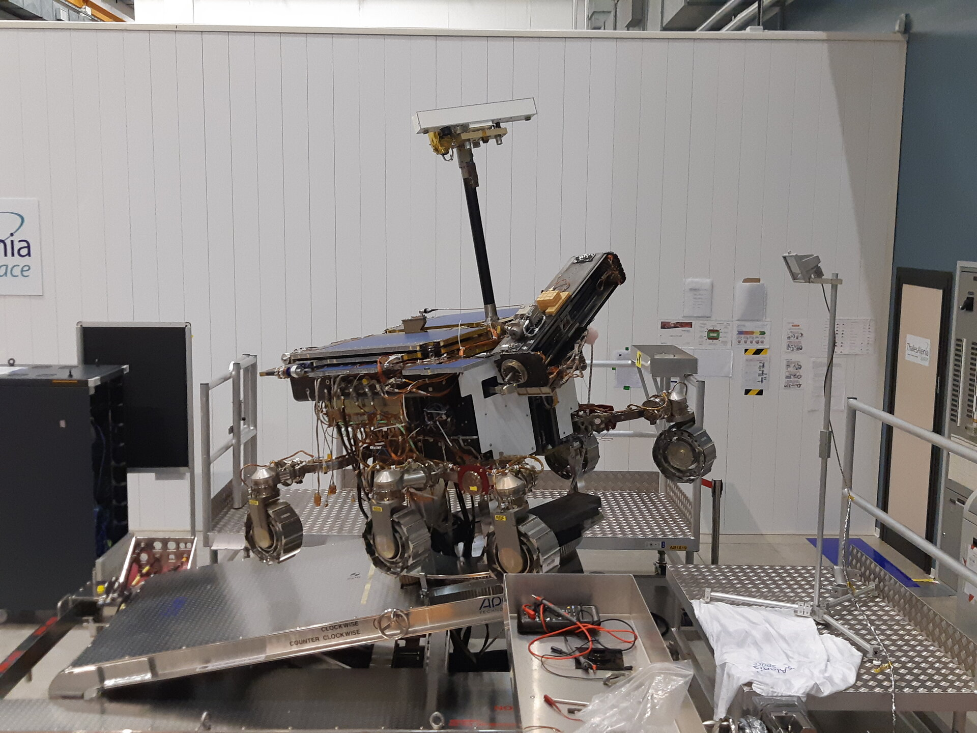 ExoMars rover model testing science mode