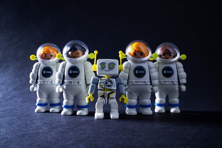 Playmobil astronaut training team