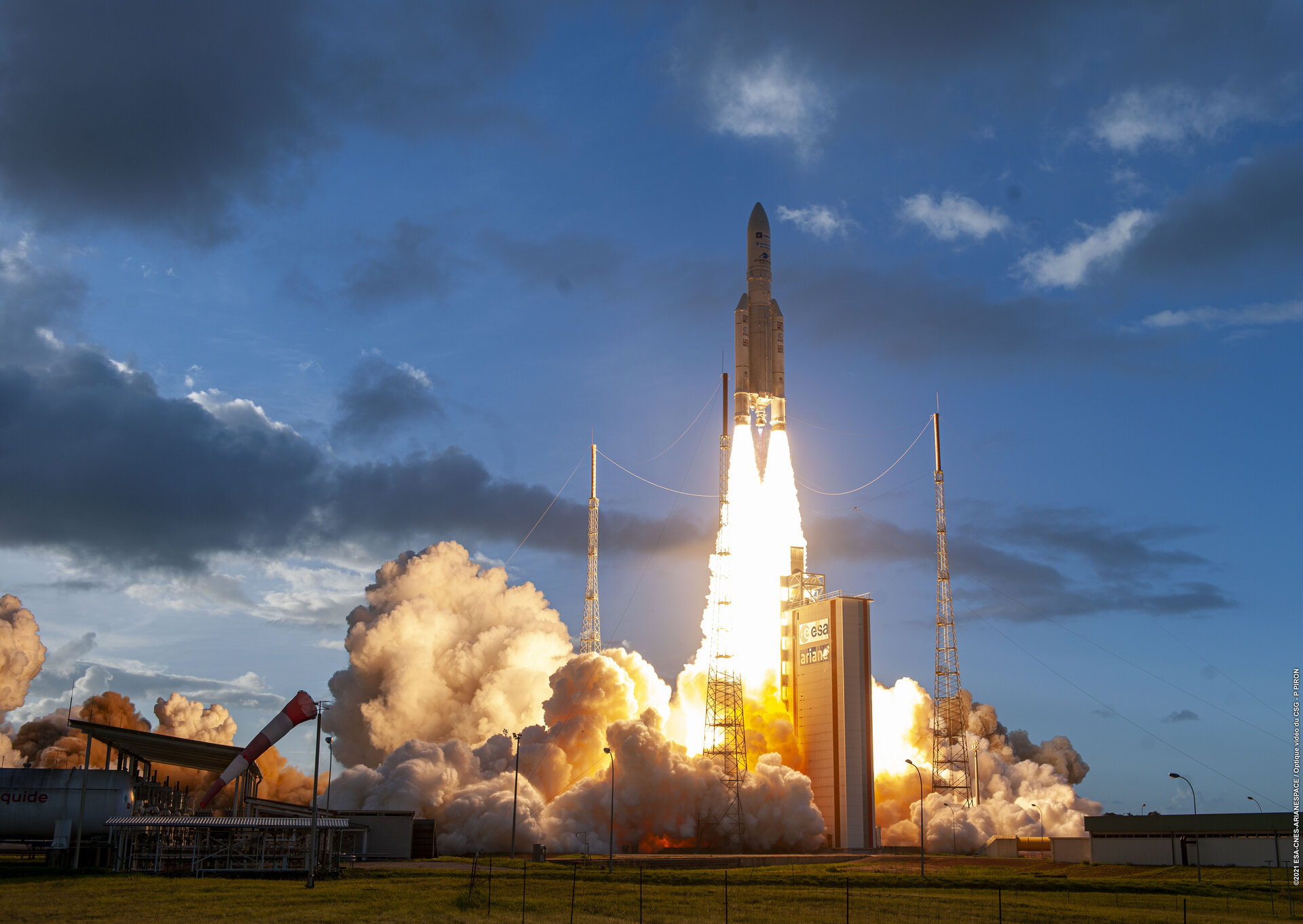 Space news - Ariane 5 launch