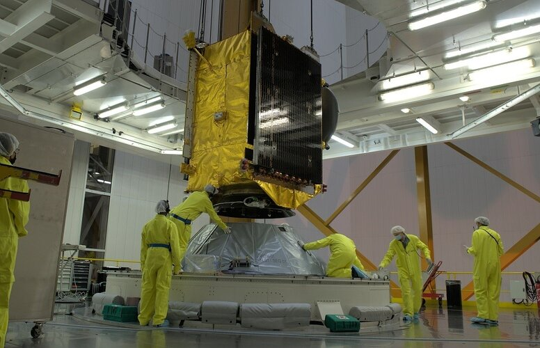 Reprogrammable satellite is ready for launch