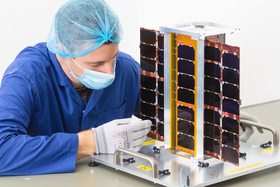 RadCube demonstrates miniaturised space weather instruments