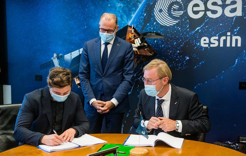 Signing up ICEYE to Copernicus