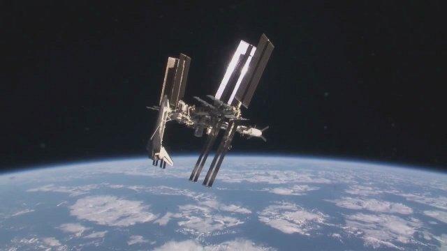 Resultado de imagem para iss space shuttle
