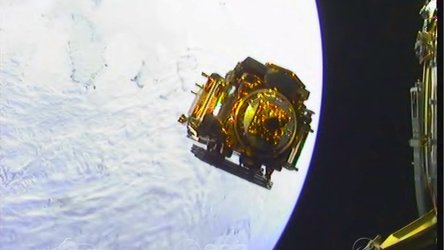 Soyuz Fregat on-board cameras show release of Sentinel-1A