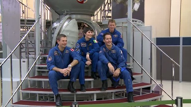 Four_ESA_astronauts_training_at_Star_City_large.jpg