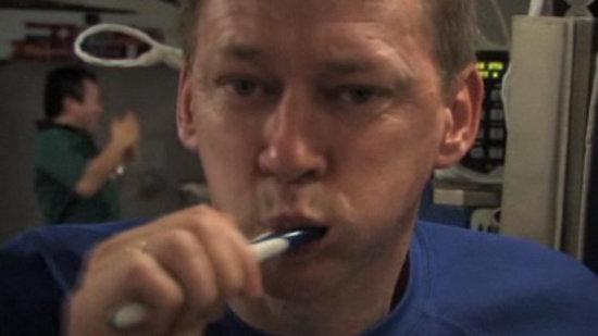 må på do hele tiden sprute i munnen